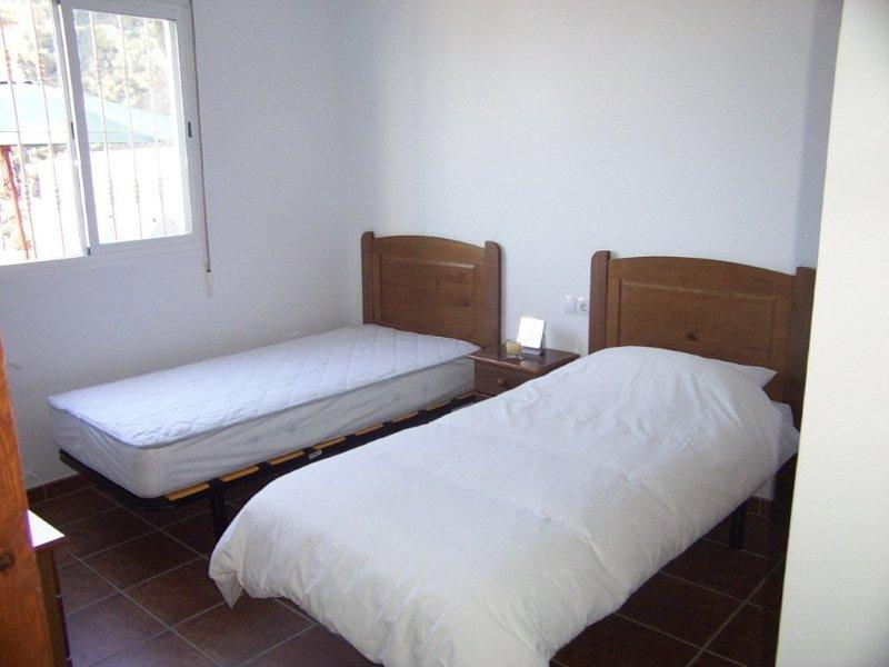 Digame: For Sale Twin single beds
