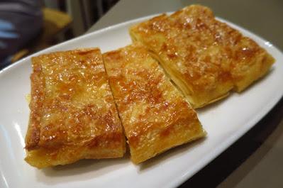 Mui Kee Congee (妹記), fried bean curd skin
