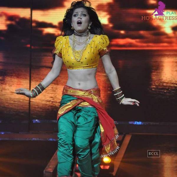 navel images of Drashti Dhami serialactress of Madhubala – Ek Ishq
