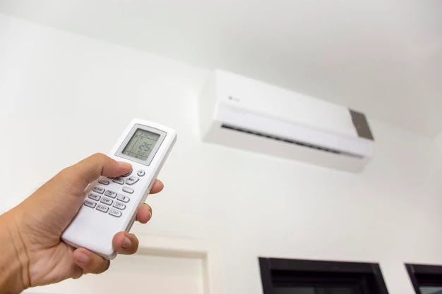 Signs Your AC Requires Replacement or Repair in Tomball, TX!