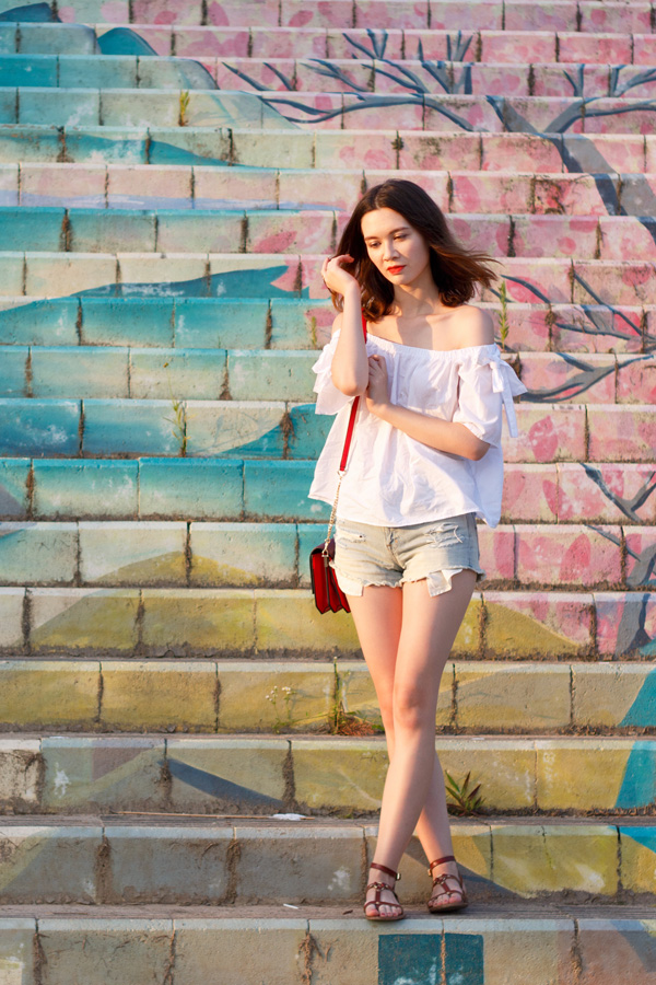 off the shoulder, h&m, summer 2016 trends, booty shorts, fendi monster, summer style, korean style, painted stairs