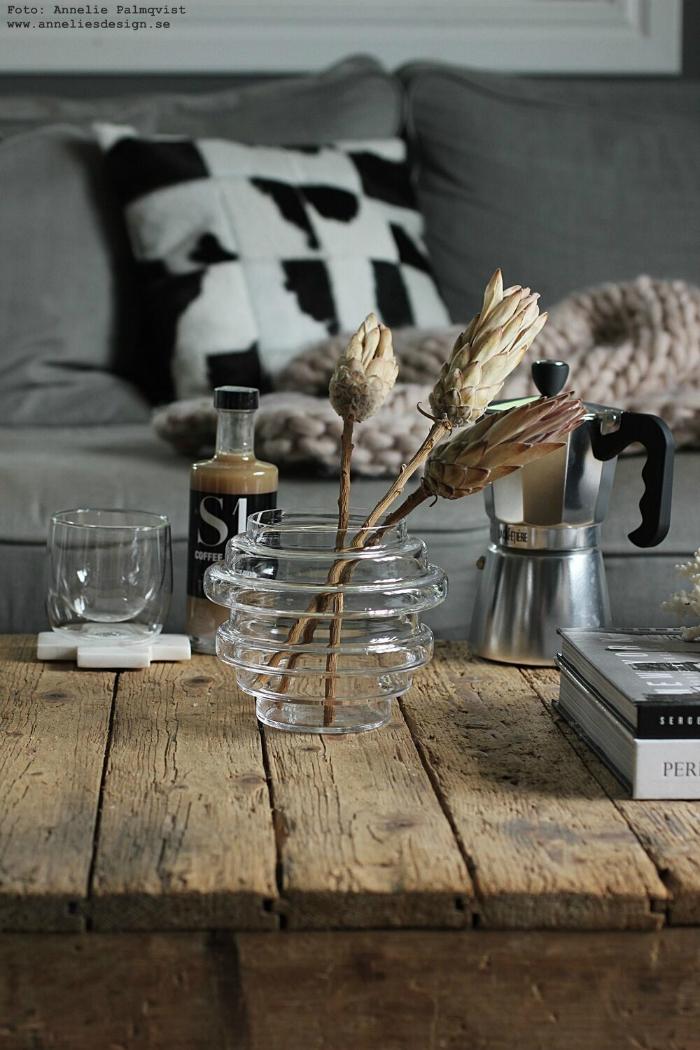 annelies design, webbutik, vardagsrum, ananas, ananasblomma, ananasblommor, torkade växter, narurblommor, vako, vas, kaffebryggare, espresso, bryggare, kaffe, mugg, kudde, koskinn, inredning, nätbutik, dekoration, inredningsbutik, presentbutik, varberg, gårdsbutik, gårdsbutiker