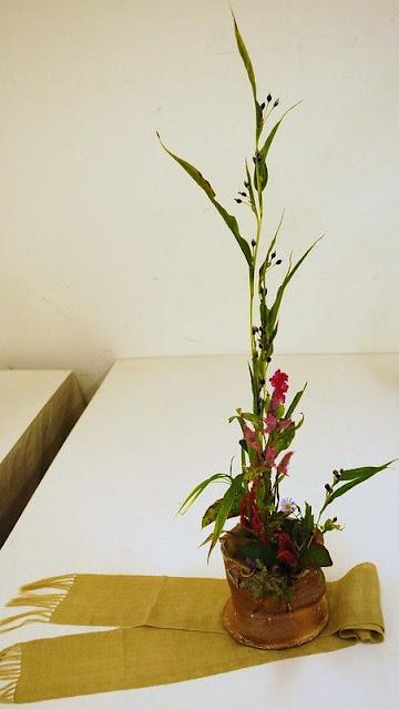 seni merangkai bunga dengan aliran Mishoryu