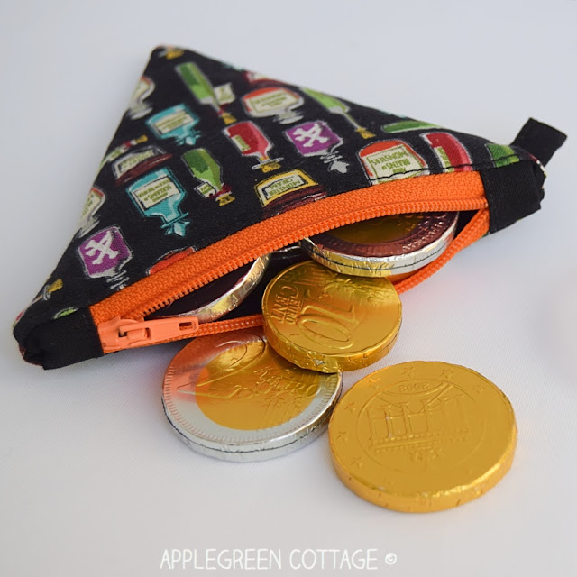 coin purse pattern by AppleGreen Cottage