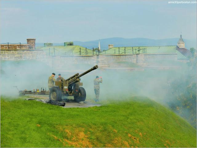 The Noon-Day Gun en la Ciudadela de Quebec