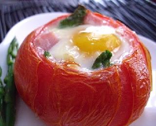 рецепт завтрака яйцо в помидоре по-французки