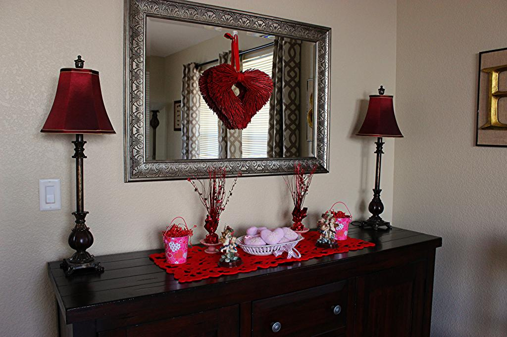 http://www.kathewithane.com/2014/02/valentines-day-buffet-decor.html