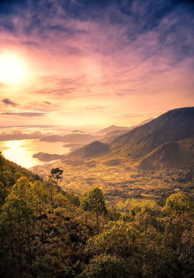 10 Places You Shouldn't Miss in Indonesia | Lake Toba , Indonesia