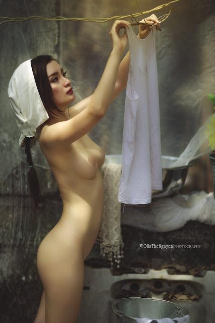 Hot girls Vietnamese girl nude washing clothes 9