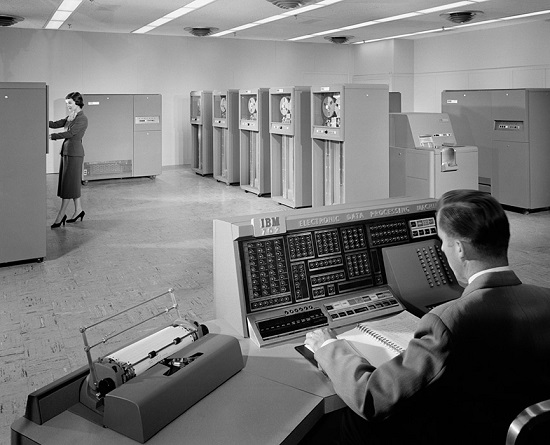 "Ezra Stoller, ""IBM 702 Machine"", 1955."