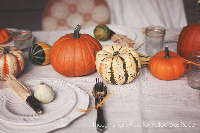 Outdoor thanksgiving table ideas fall back patio tour for How to set a round table for thanksgiving