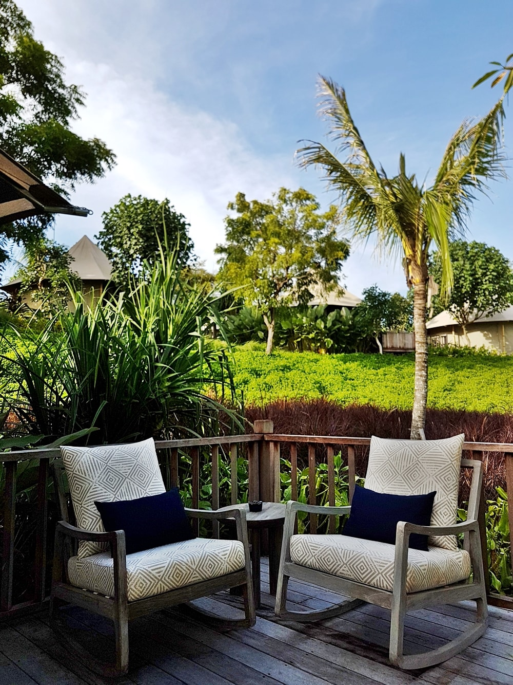 DELUXSHIONIST ESCAPE TO MENJANGAN DYNASTY RESORT, WEST BALI