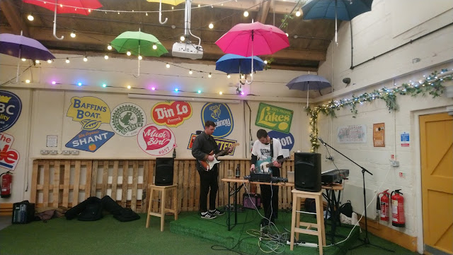 Live music at Outside-In Food Court, Portsmouth