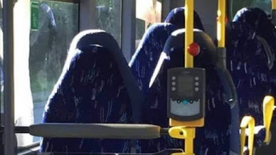 Bancos de ônibus ou mulheres de burca?