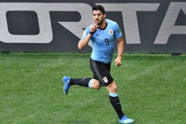 Luis Alberto Suárez Díaz is a Uruguayan professional footballer