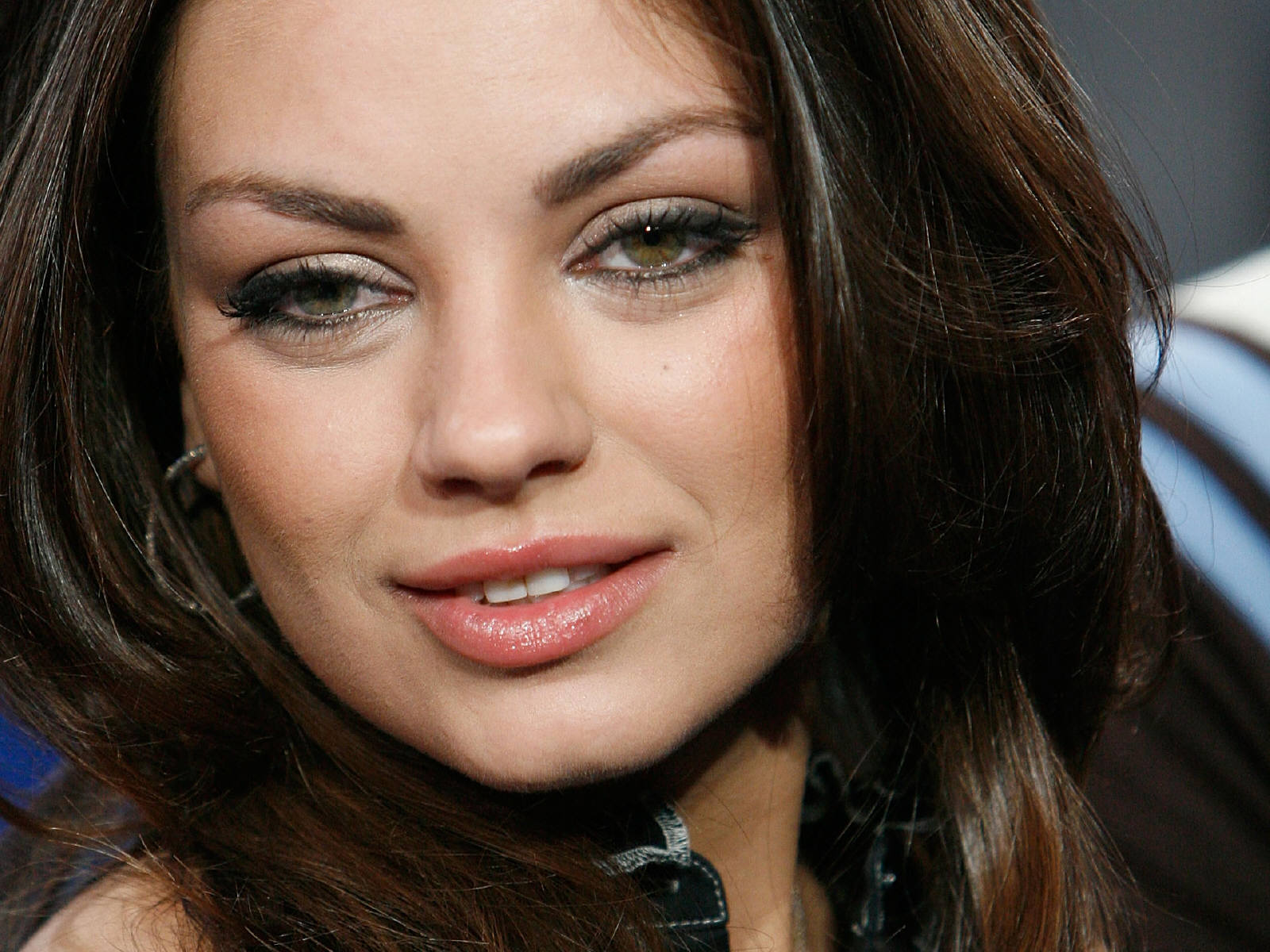 Mila Kunis : Hot Wallpapers   Eye-candy Pictures