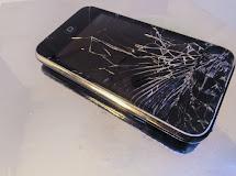 Inusitado! Em Guarabira, Mulher quebra celular do marido por causa de internet