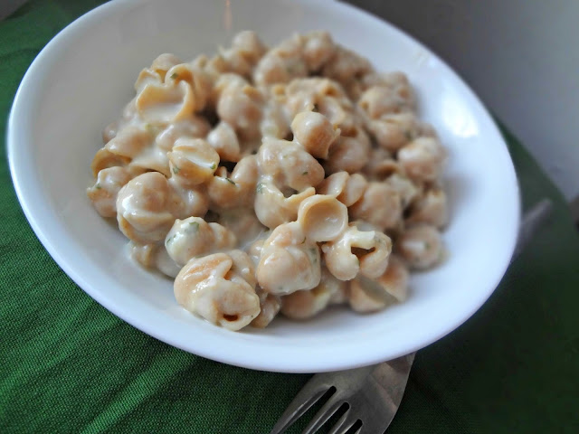 Creamy Garlic Shells