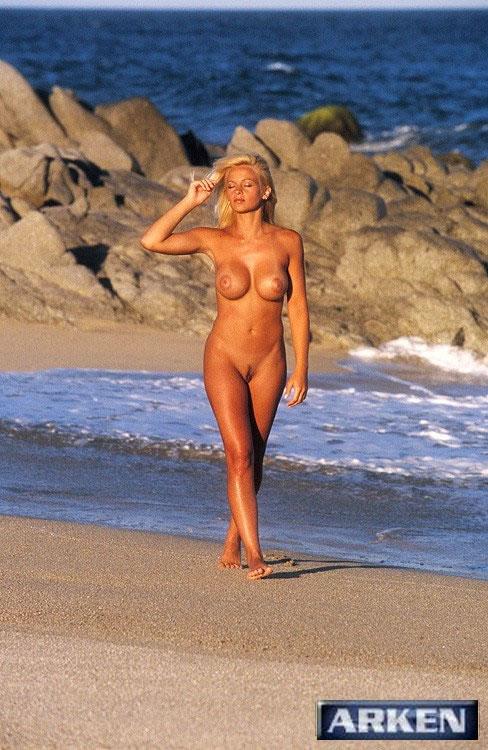 Nude 16 Oliversgirls Heather Hanson Beach Photo Set-4116