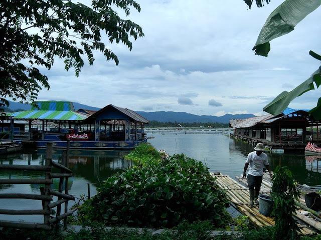 foto warung apung rowo jombor