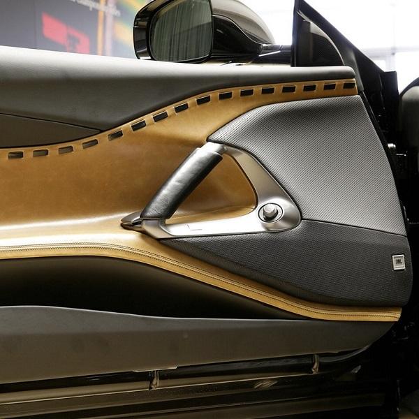 Ferrari 812 Superfast Tailor Made