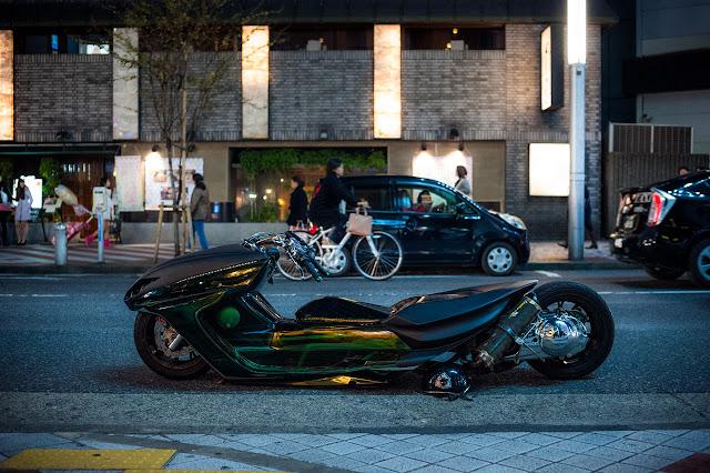 Lowrider Bosozoku Dragon Scooter, Shibuya Tokyo Japan