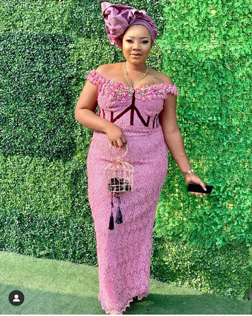2019 African Fashion: Gorgeous and Trendy Asoebi Styles
