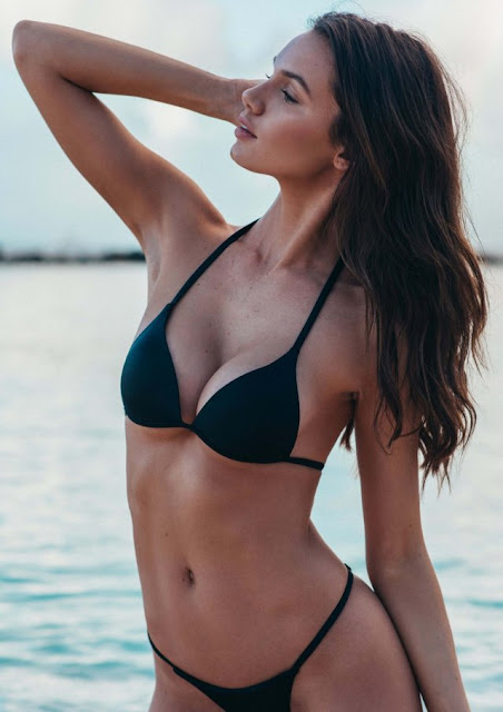 Hailey Outland Hot Pics and Bio
