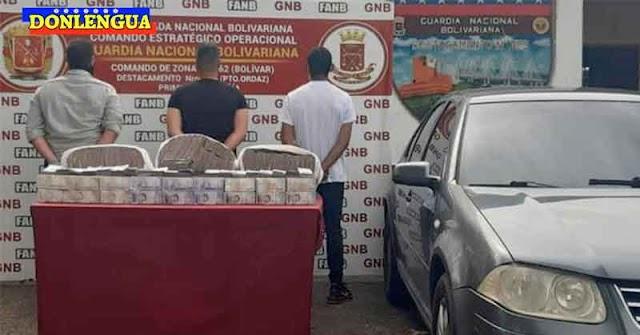 Tres detenidos en Puerto Ordaz por llevar en su carro 80.000 millones de bolívares (20.000 dólares)