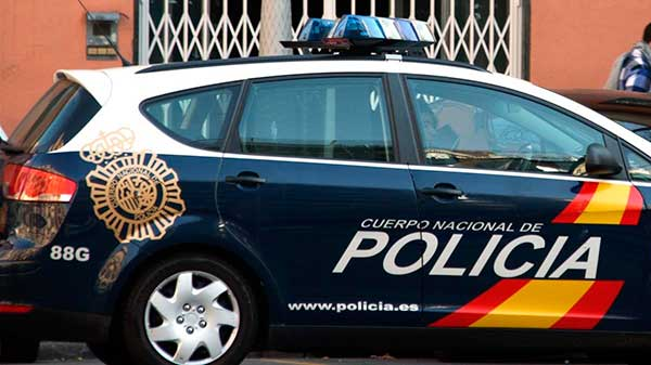 La policía Nacional detiene a una mujer por robar hasta en cuatro ocasiones la recaudación en el bar donde trabajaba en un bar de un centro comercial de Las Palmas de Gran Canaria
