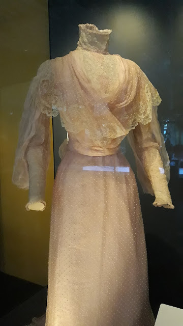 vestido eduardiano