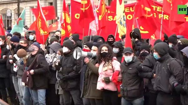 Βερολίνο: Διαδήλωσαν στη μνήμη της Ρόζα Λούξεμπουργκ και του Καρλ Λίμπκνεχτ