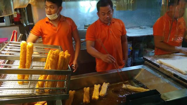 cakwe peneleh kecap cap jeruk kuliner tionghoa surabaya