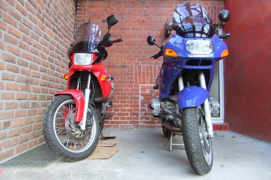 schlagzeilenk fer motorradtransporter bereit zum ersten urlaubseinsatz. Black Bedroom Furniture Sets. Home Design Ideas