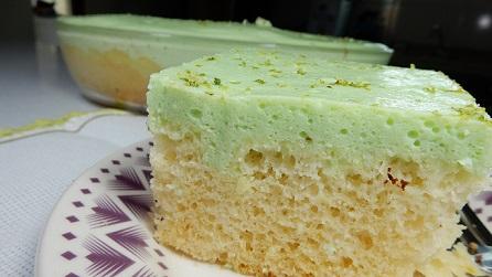 Receita: Bolo mousse verde de limão na travessa - Comida Arretada
