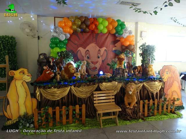 Tema Rei Leão para decoração de mesa de aniversário infantil - Mesa decorada de festa temática - Barra RJ