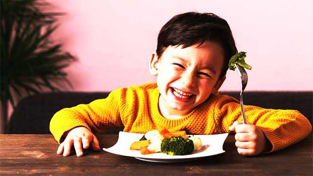 إقبال الطلاب على الفواكه والخضروات يحسن صحتهم العقلية