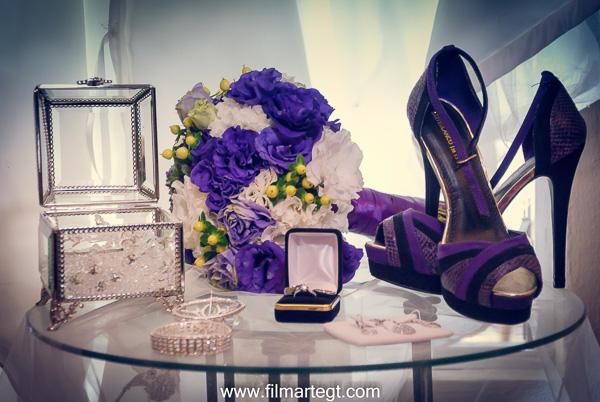 Anillos de boda, zapatos de boda, ramo de novia, Vestido de Novia Jardín el Cerro Guatemala, Fotógrafos de boda, fotógrafos de Guatemala, Novia, Novios, Boda en Antigua Guatemala, destination wedding, Weddig photographer