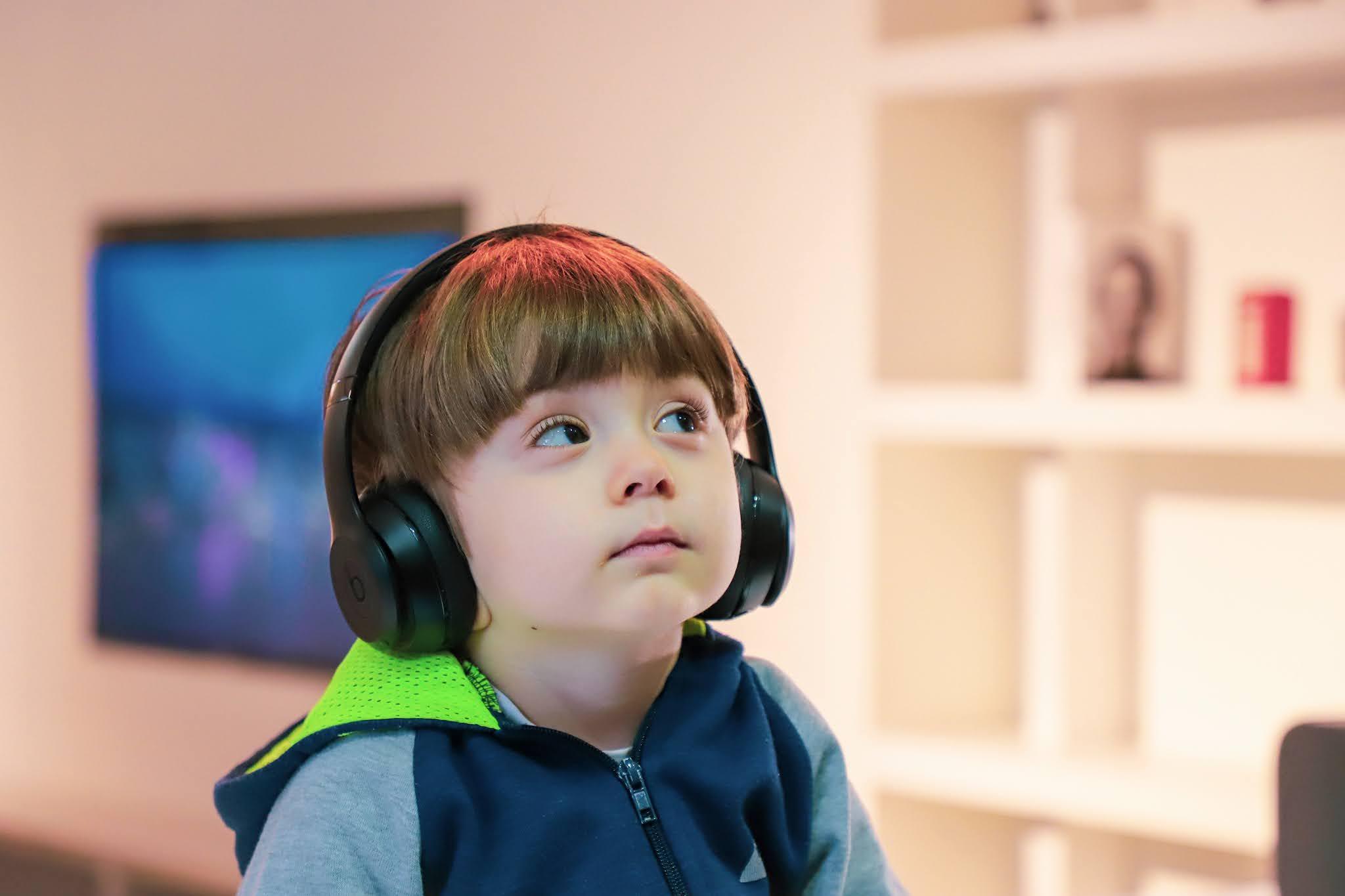 طرق معرفة اذا كان ابني لديه مشكلة بالتكلم