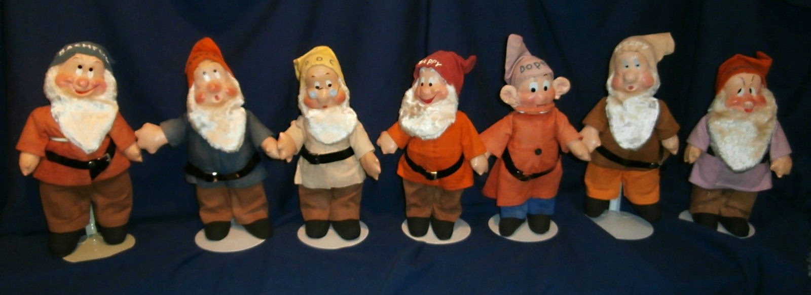 Filmic Light - Snow White Archive: Ideal Snow With Cloth Dolls