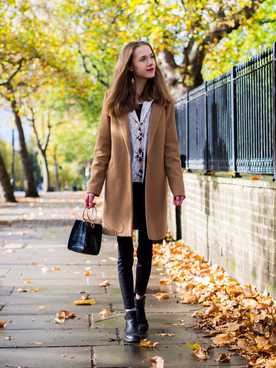fashion-blogger-outfit-camel-coat-snake-print