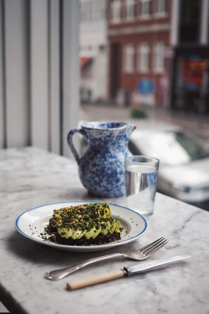 Avocado toast au café Atelier September à Copenhague