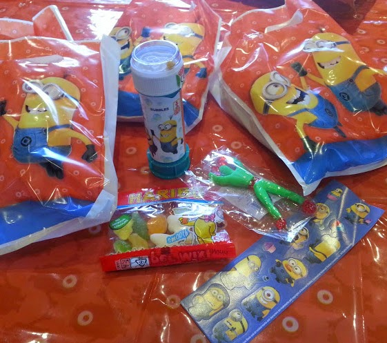 Despicable Me Minions Pre-Filled Party Bags Review