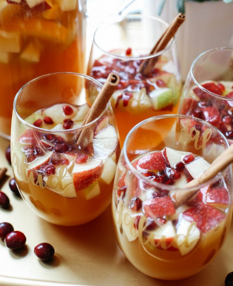 FALL HARVEST SANGRIA #sangria #party #healthydrink #cocktail #smoothie