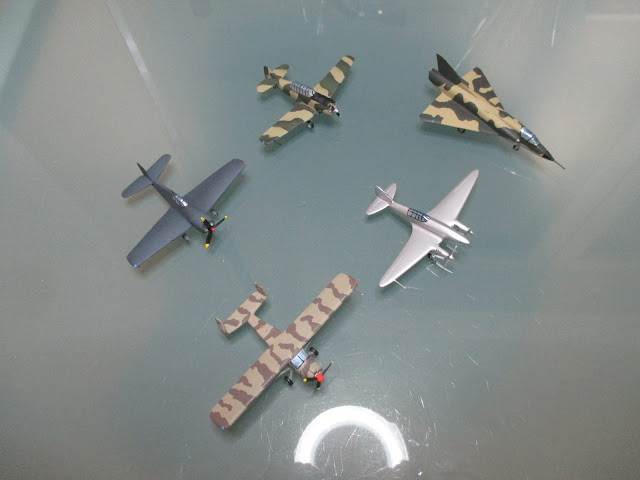 1/144 diecast metal aircraft miniature