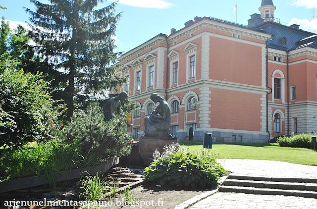 Kuopio, Kallavesi, kaupunki, tori, maasto, mäkinen,