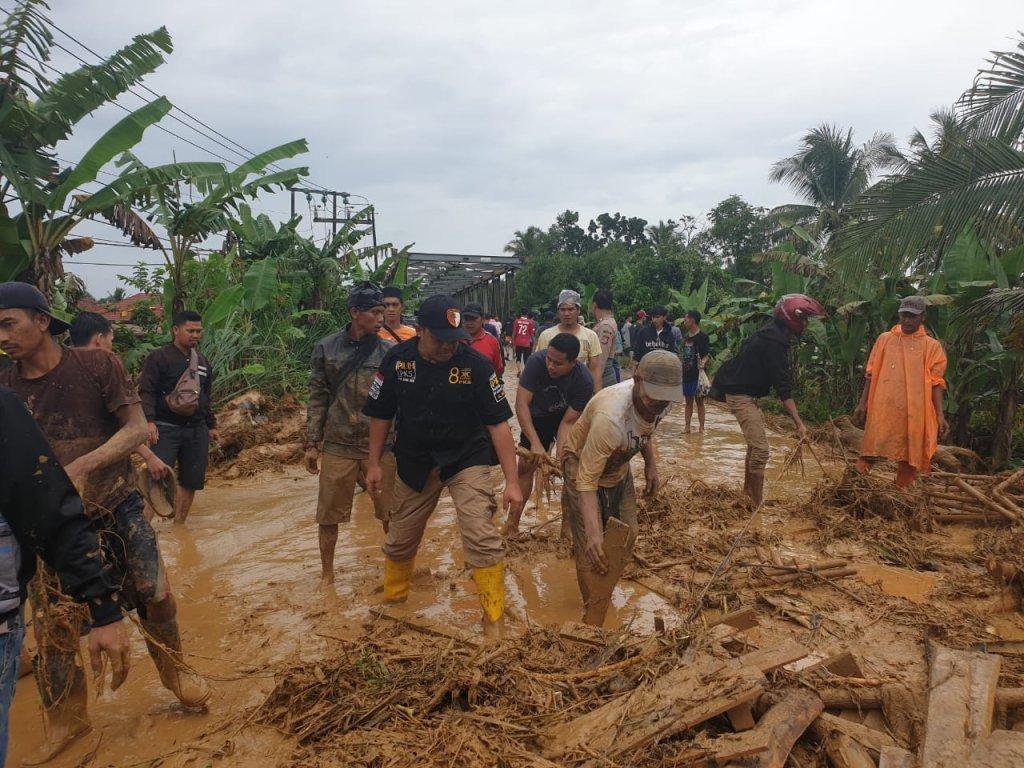 Alm Ust Arifin Ilham Paparkan Tujuh Sebab Bencana, No.4 Pemimpin Maksiat