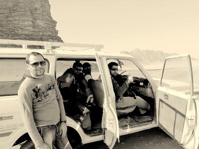 Ruta en coche en Wadi Rum
