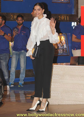 Bollywood Star Deepika Padukone at  party with the Mumbai Indians 02