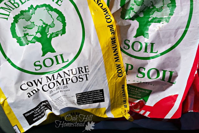 How to make your own compost that's far superior to the store-bought bags.